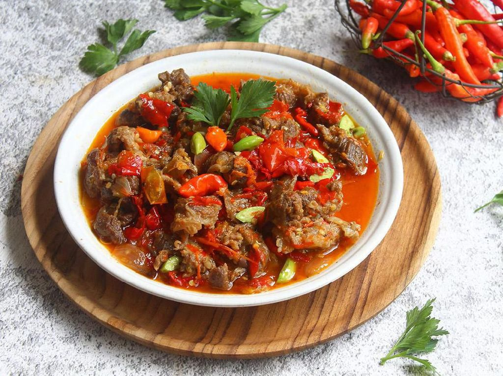 Pedas Nendang! 5 Makanan Mercon dari Oseng hingga Bakso Ada di Sini