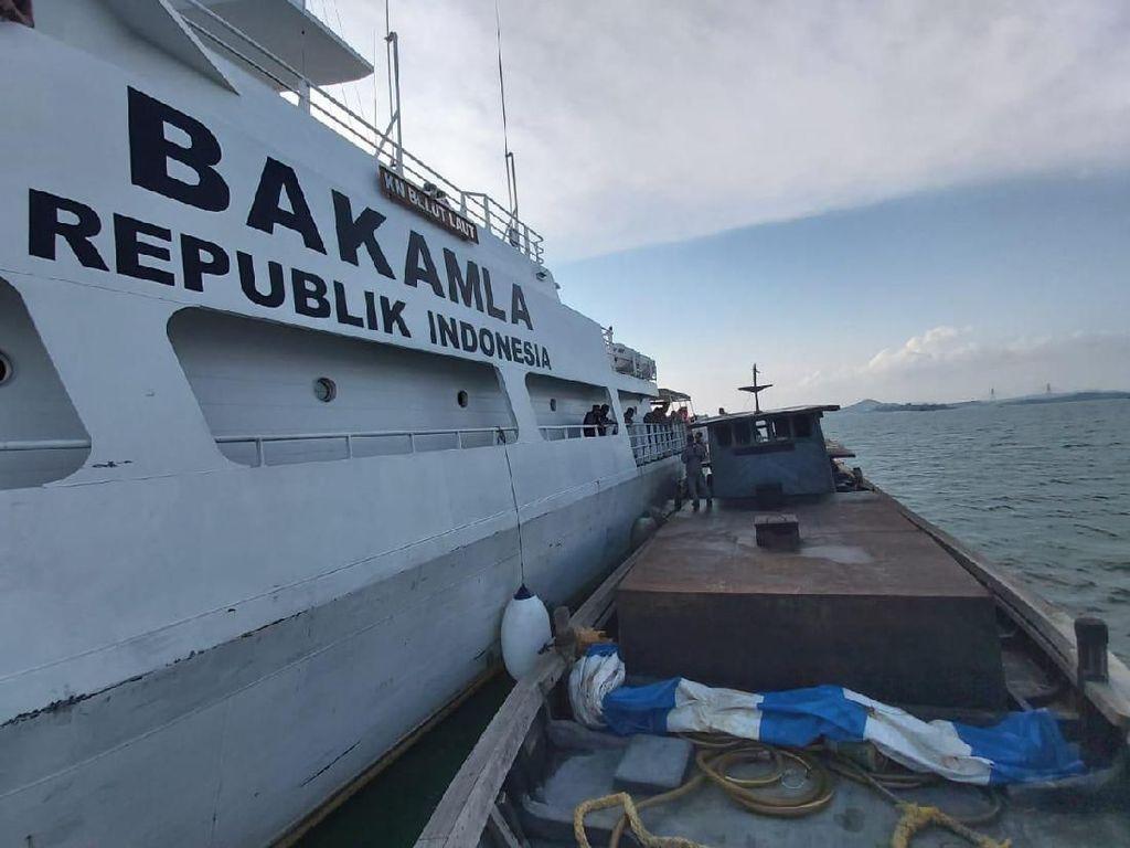 Bakamla dan Maritim Malaysia Tangkap Kapal Pembawa Miras dari Singapura