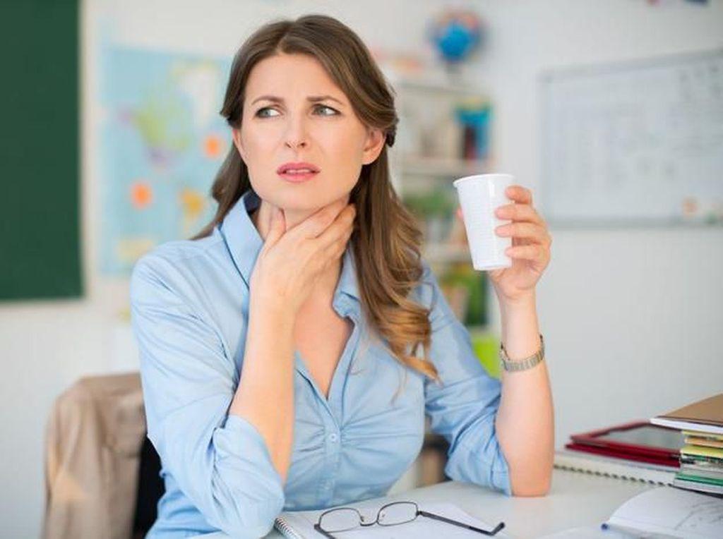 5 Cara Mengatasi Tenggorokan Gatal Secara Alami