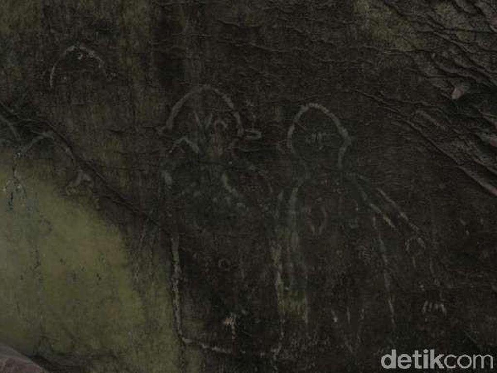 Menguak Lukisan Alien di Gua Papua