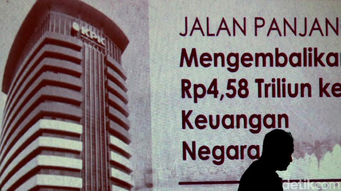 KPK mempresentasikan kasus SKL BLBI dalam diskusi bertajuk Vonis Bebas SAT: Salah Siapa? di Jakarta. Berikut suasana diskusinya.