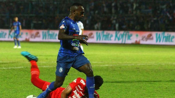 Arema FC bantai Persib Bandung 5-1 (ANTARA FOTO/Ari Bowo Sucipto)
