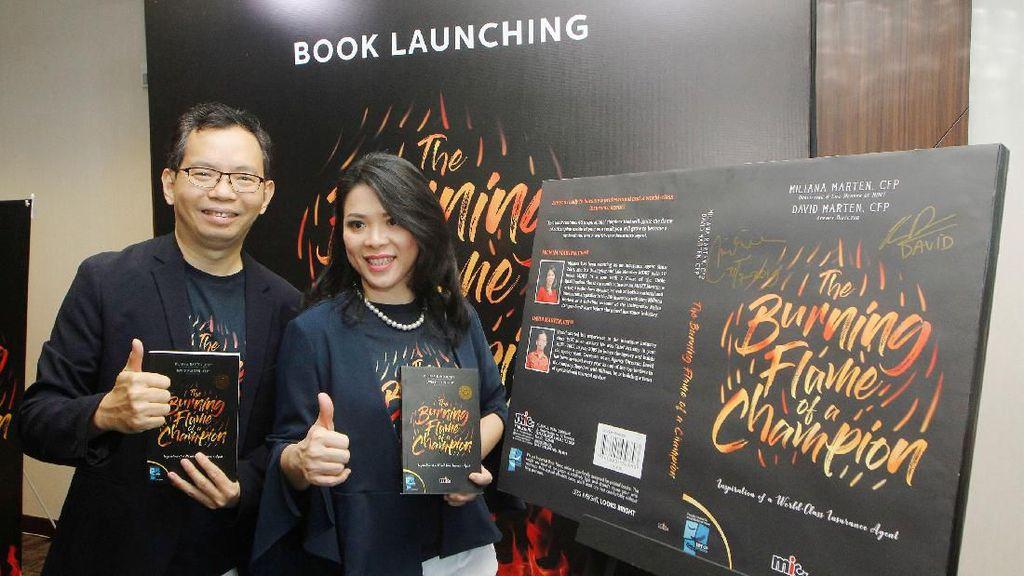 Peluncuran Buku The Burning Flame of A Champion