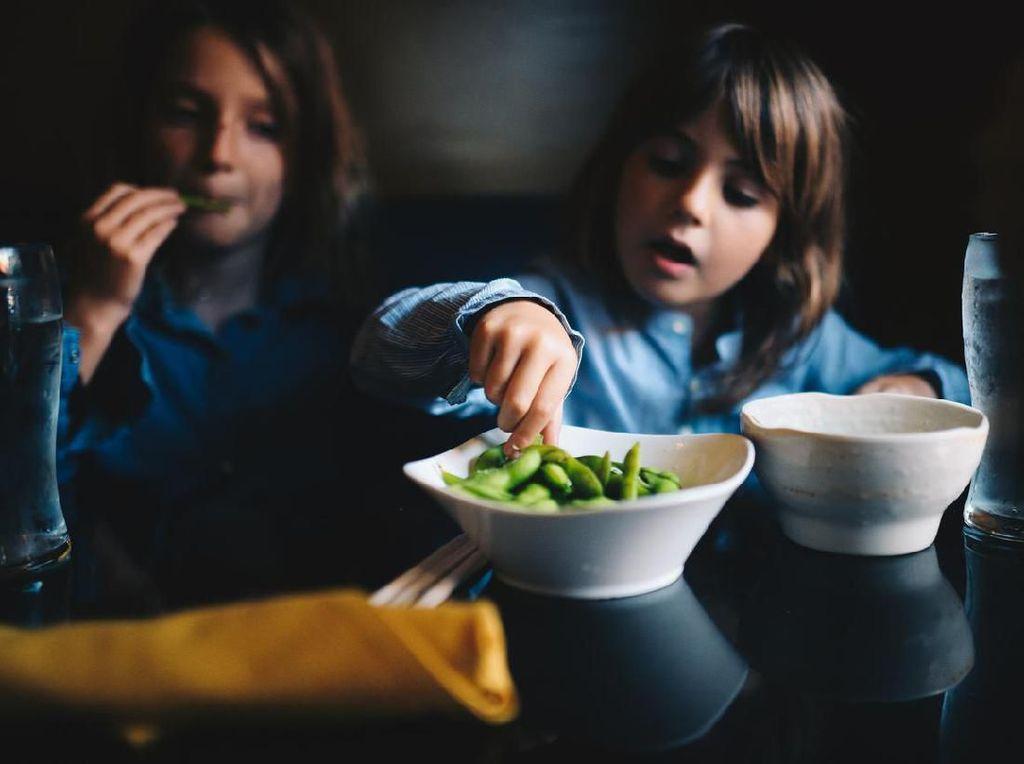 Mood Anak Jadi Bagus Kalau Makan Serat, Kok Bisa?