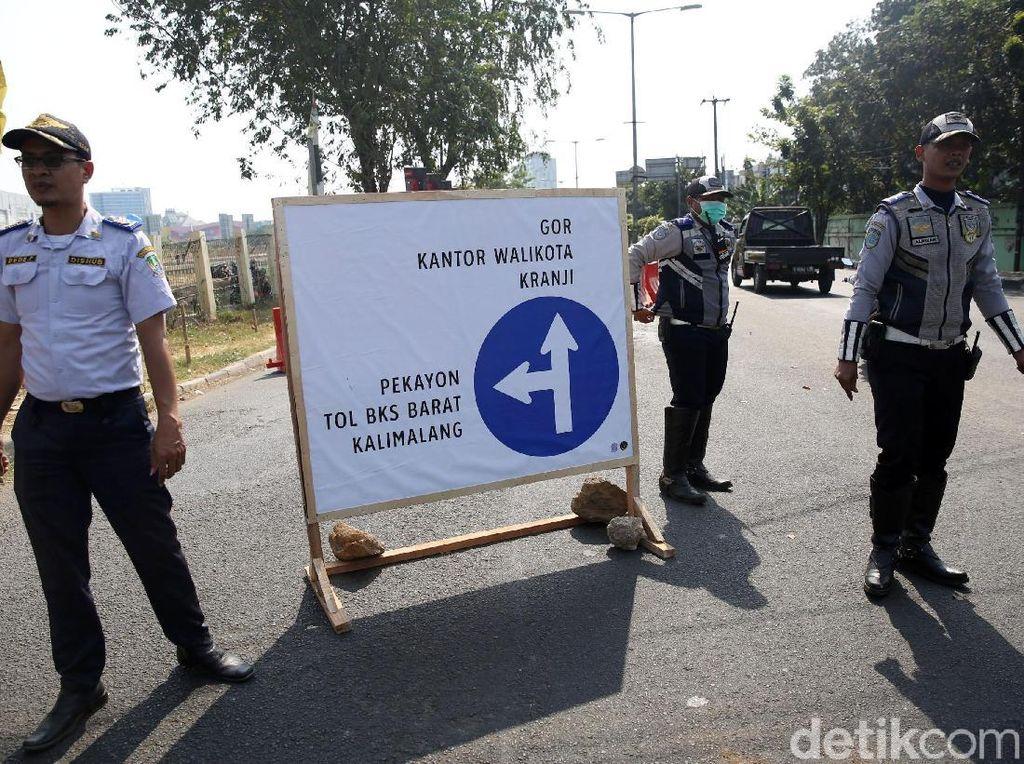 Imbas Proyek Tol Becakayu, Simpang BCP Bekasi Ditutup