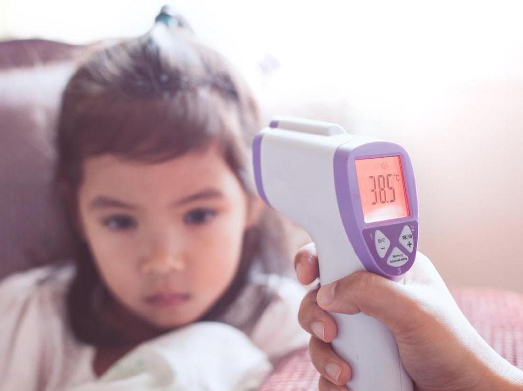 Viral Dokter Ragukan Termometer Tembak, Banyak yang Alami Serupa