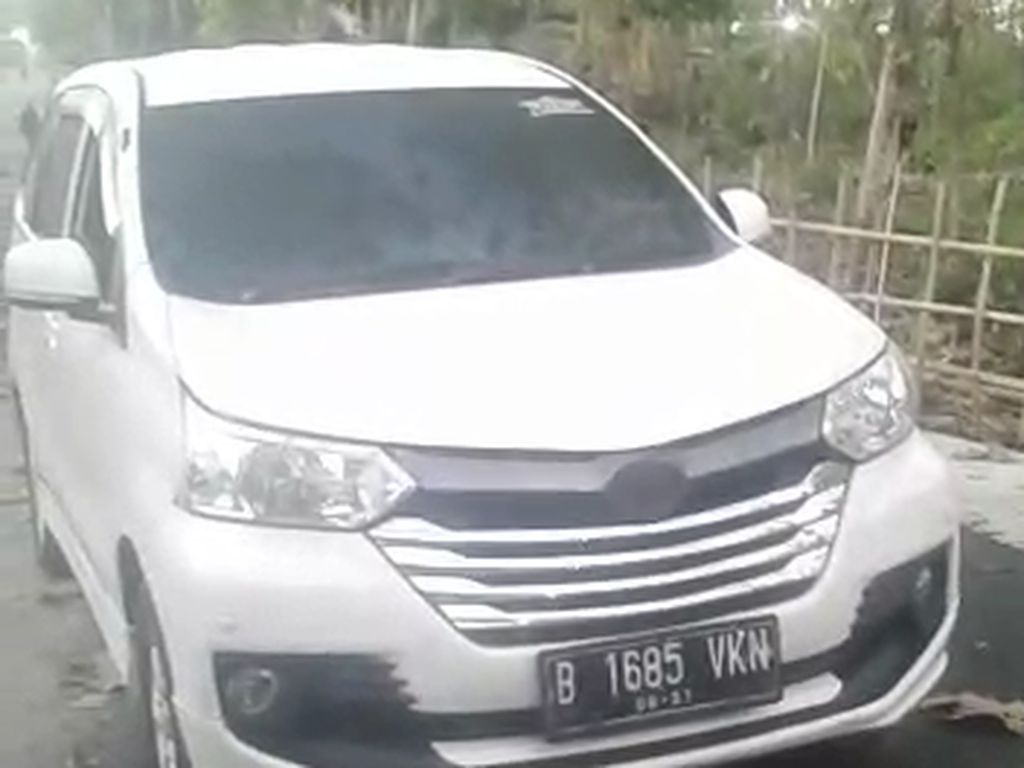 Mobil Nyelonong Masuk Makam di Madiun, Apa Penyebabnya?