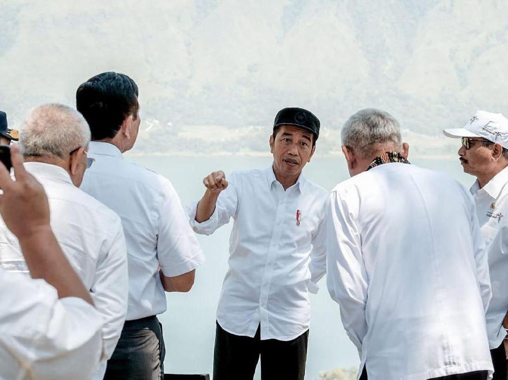 Jokowi Teken Perubahan Nama Kabupaten Toba Samosir Jadi Toba