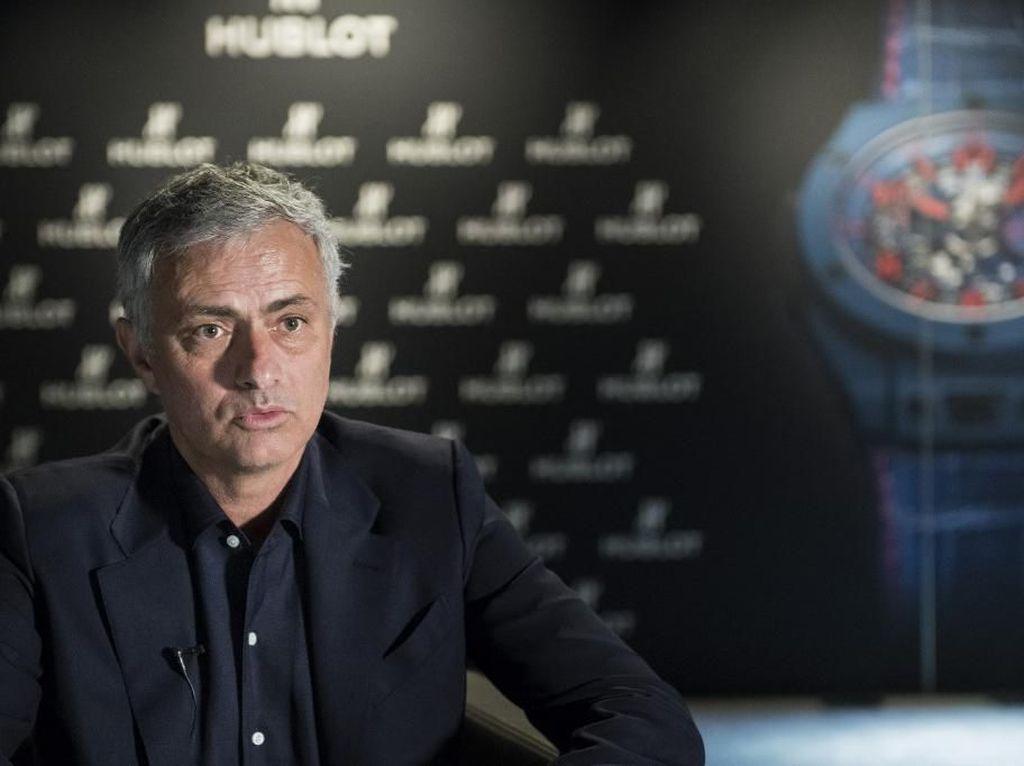 Jose Mourinho Dikabarkan ke Tottenham, Massimiliano Allegri Menuju MU