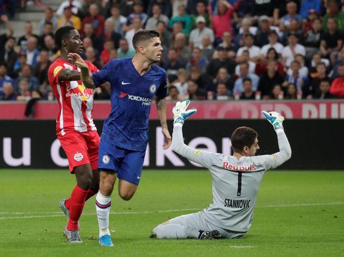 Chelsea menang 5-3 atas RB Salzburg, di mana Christian Pulisic bikin dua gol. (Foto: Leonhard Foeger/Reuters)