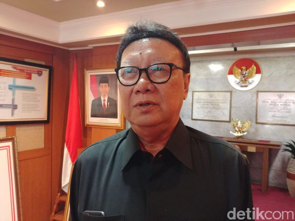 Kepala Daerah di Area Karhutla Dilarang ke LN, Mendagri: Termasuk Presiden