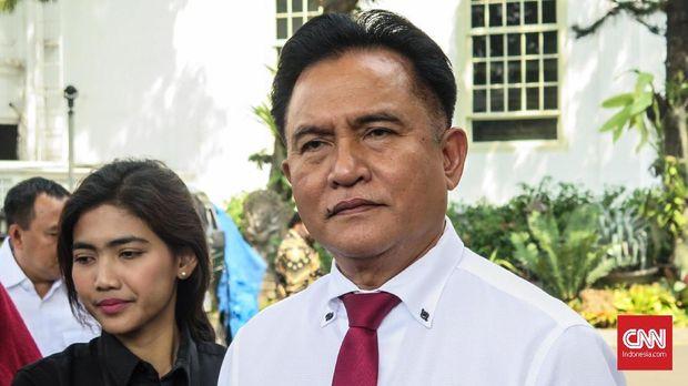 Ketua Umum Partai Bulan Bintang (PBB) Yusril Ihza Mahendra bersama jajaran pengurus bertemu Presiden Joko Widodo di Kompleks Istana Kepresidenan Jakarta, Kamis (1/8).