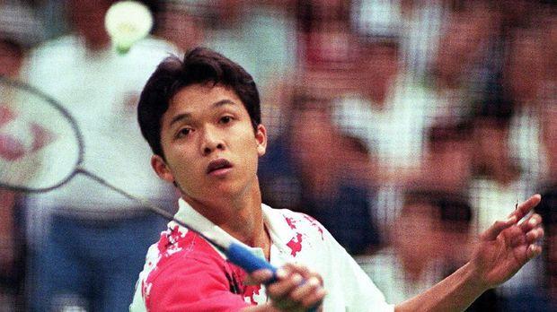 Taufik Hidayat menyandang ranking 1 dunia di usia 17 tahun.