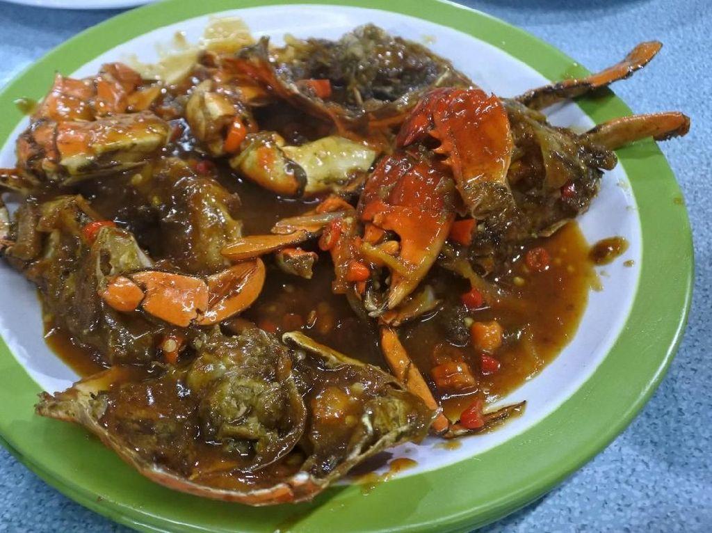 5 Warung Kaki Lima Ini Sajikan Aneka Seafood Segar dan Murah