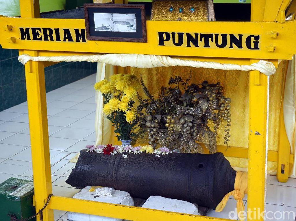 Foto: Meriam Puntung & Legenda Putri Hijau di Medan