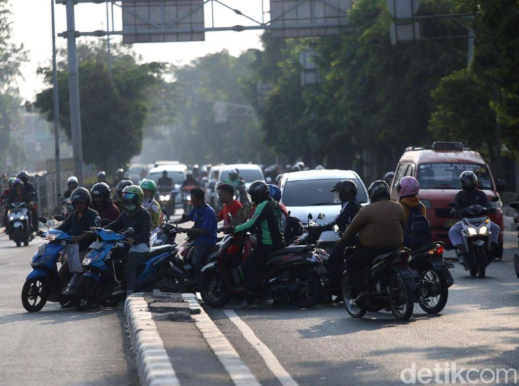 Pemotor Indonesia Bersatu, Aturan Lalu Lintas Jadi Beku