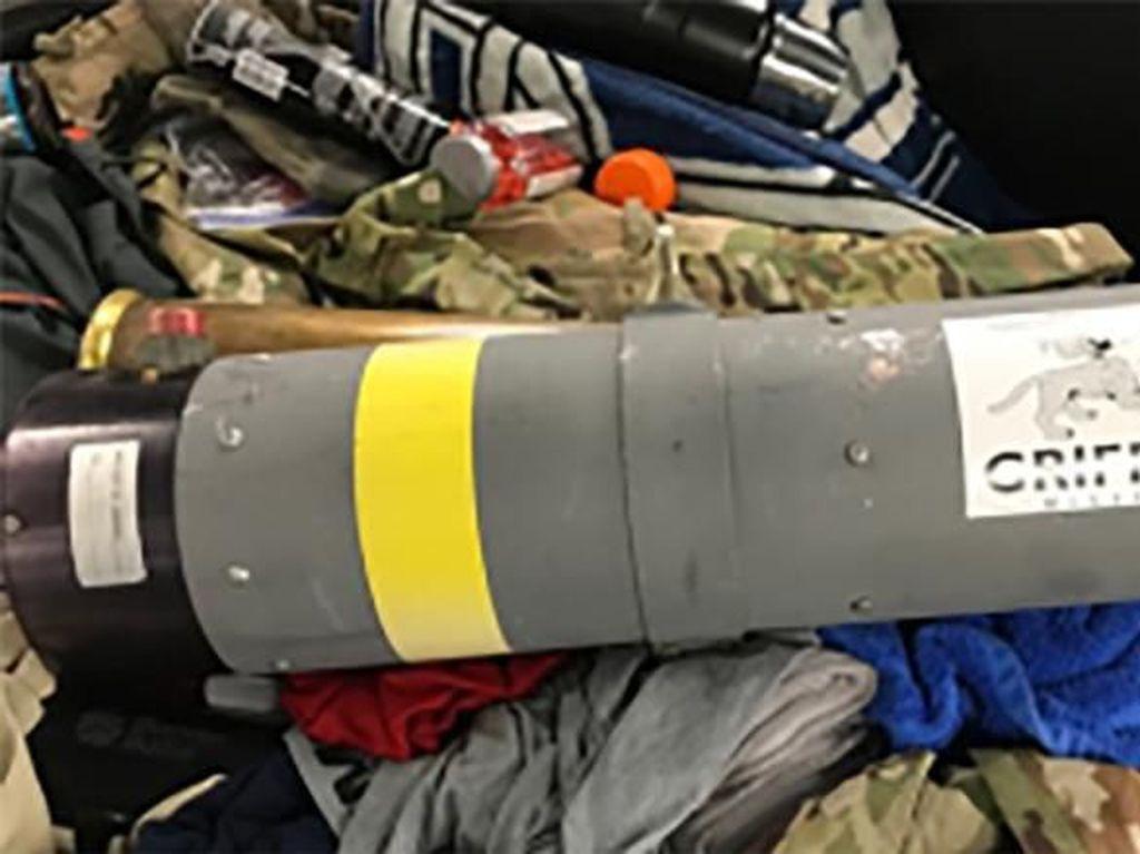 Penumpang Pesawat Bawa Bazoka di Koper, Bikin Kaget di Bandara