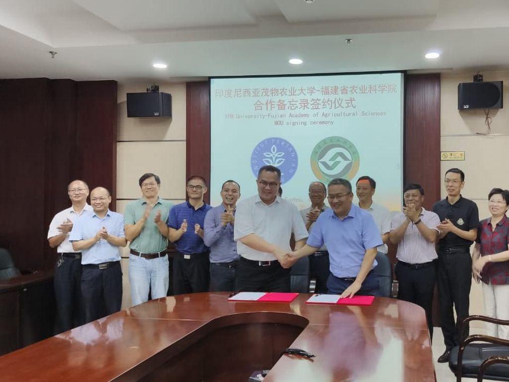 IPB Teken Kerja Sama Smart Agriculture dengan Lembaga Riset Pertanian Tiongkok