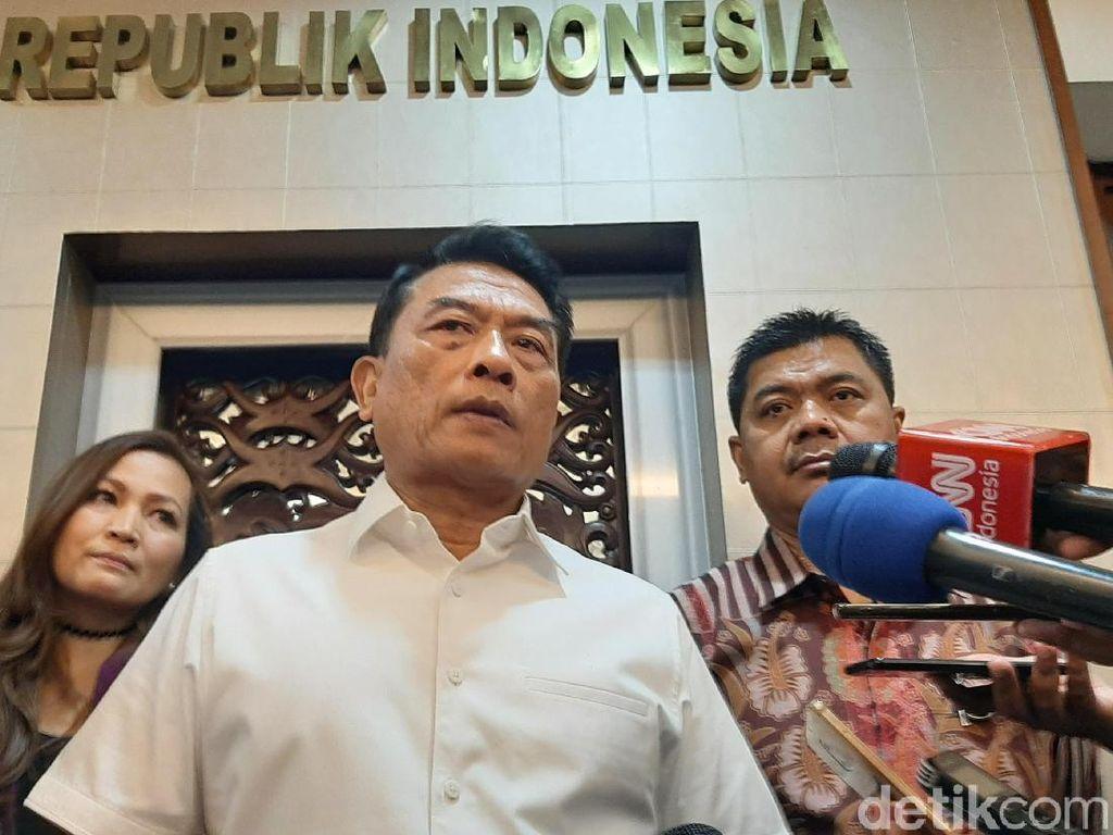 Kata Moeldoko Soal Isi Aturan Mobil Listrik yang Diteken Jokowi