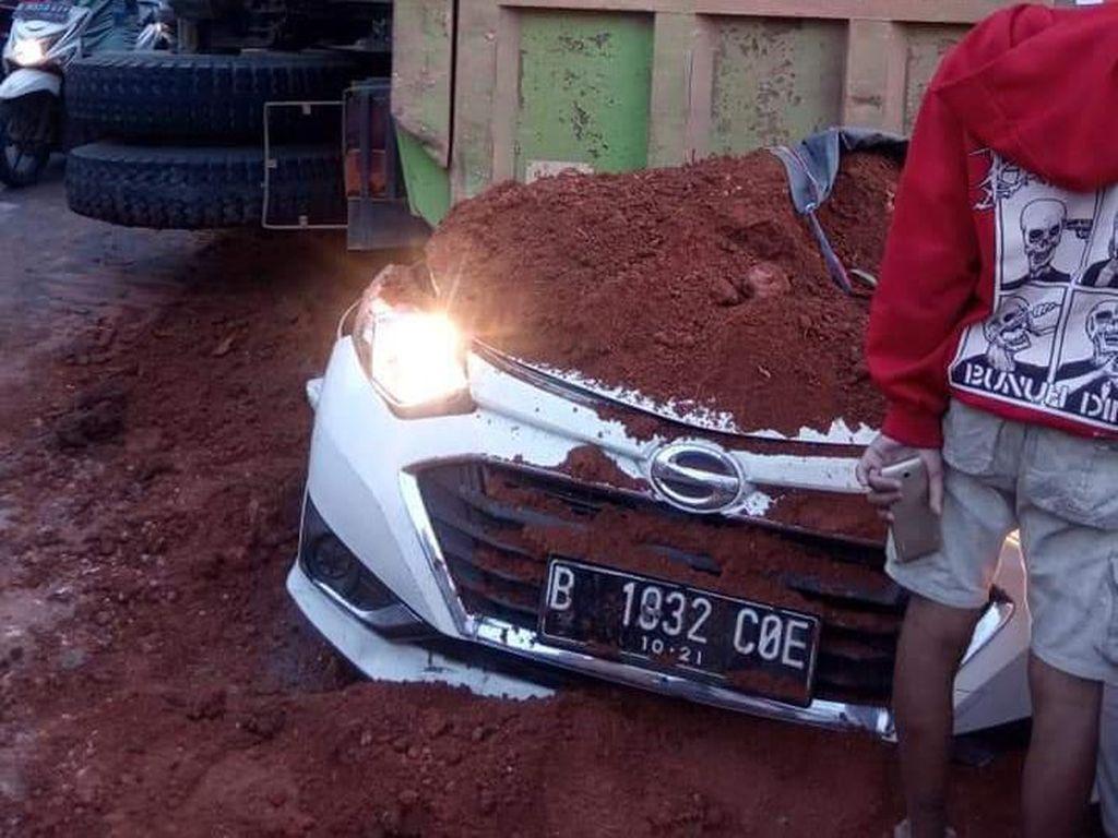 Kecelakaan Maut Truk Timpa Mobil, Walkot Tangerang Terbitkan Edaran