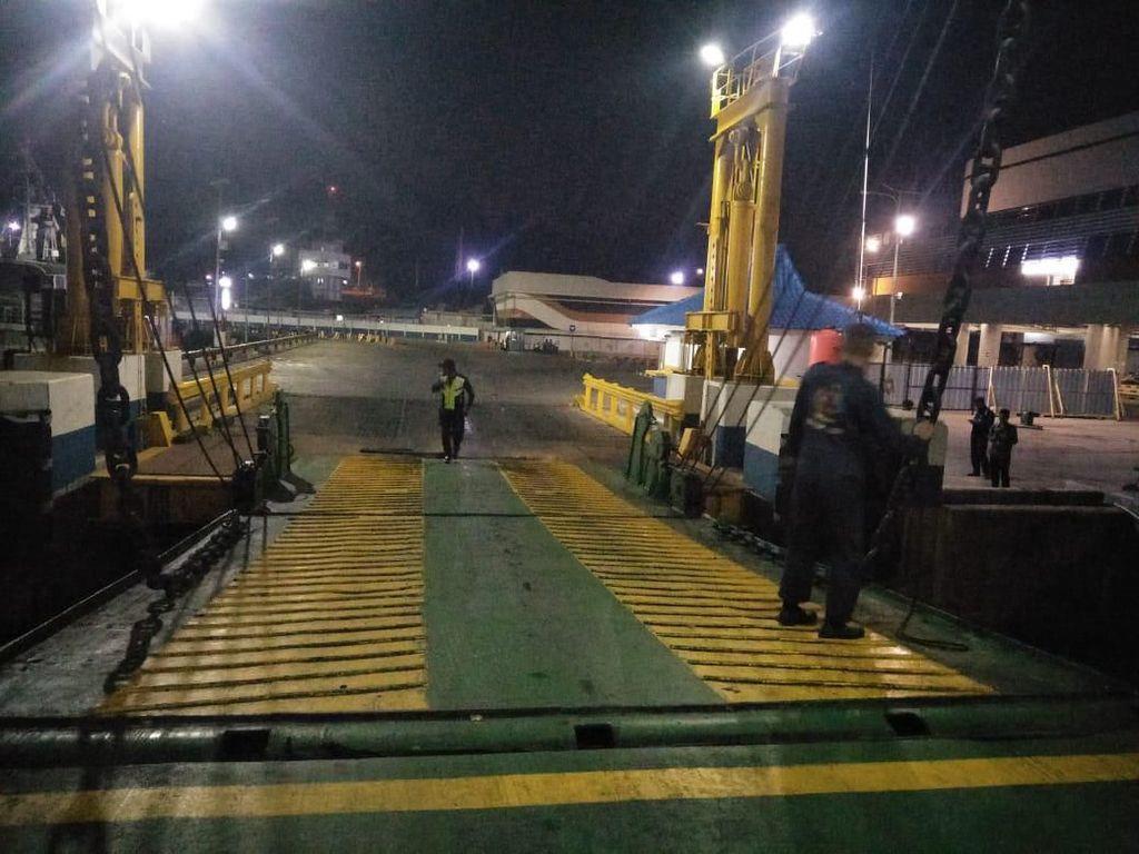Ada Potensi Tsunami, Kegiatan di Pelabuhan Merak Tetap Normal