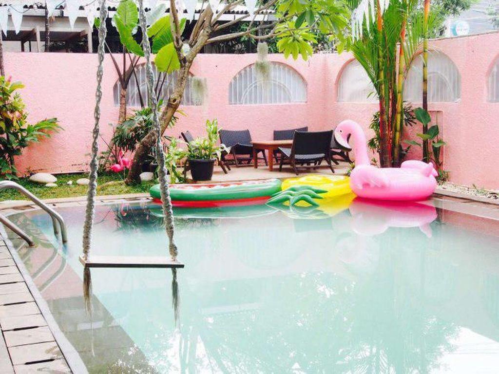Cantik Banget! 10 Kafe ini Punya Warna Serba Pink
