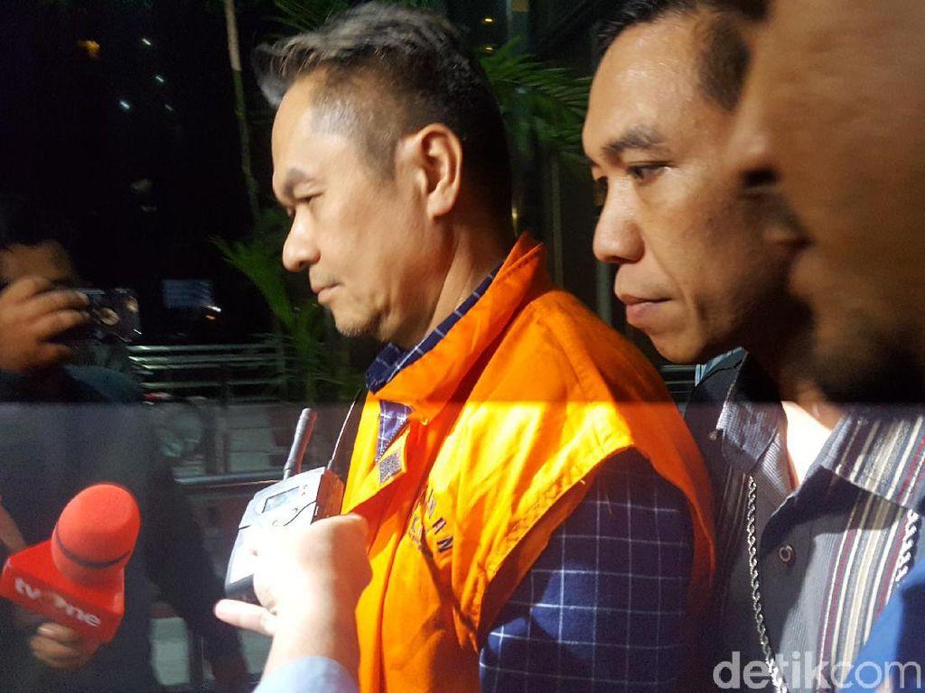 Diborgol dan Pakai Rompi Oranye, Dirkeu AP II Ditahan KPK