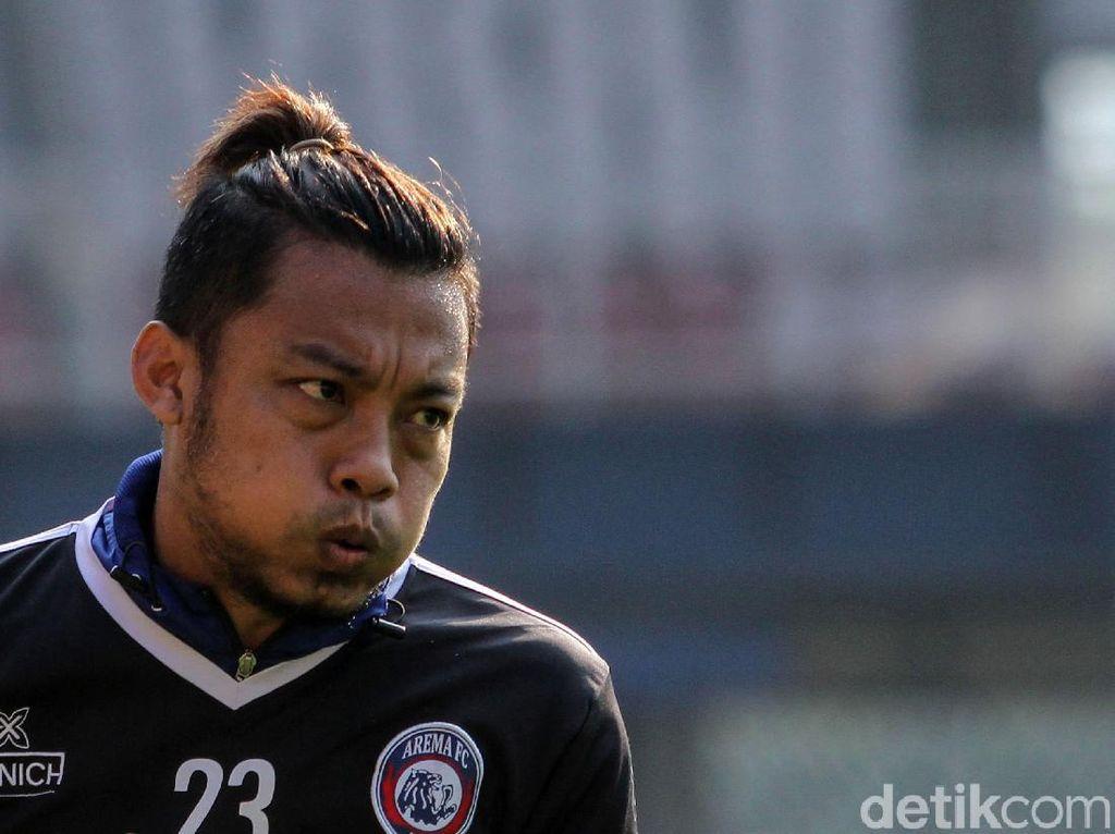 Hamka Hamzah Tinggalkan Arema FC