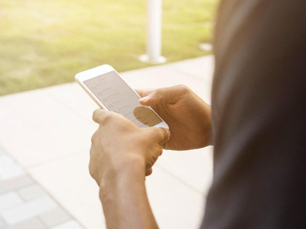 Aturan Blokir Ponsel BM Jangan Rugikan Operator dan Konsumen