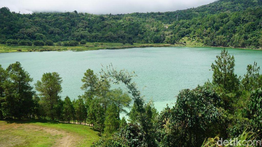 Foto: Danau Kebanggaan Warga Tomohon