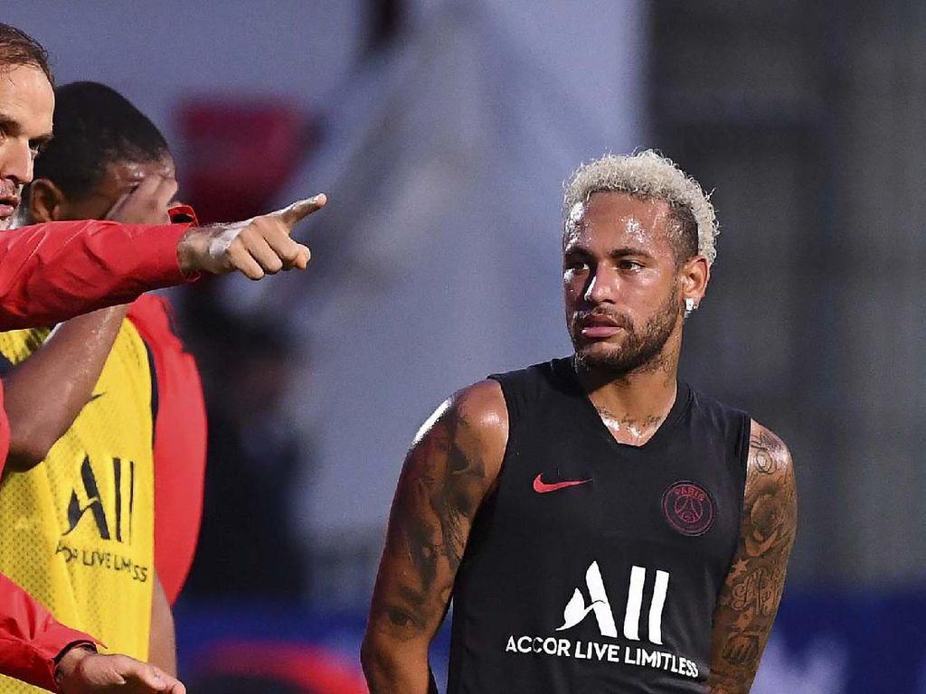 PSG Bersih-bersih, Tak Lagi Jual Jersey dan Merchandise Neymar?