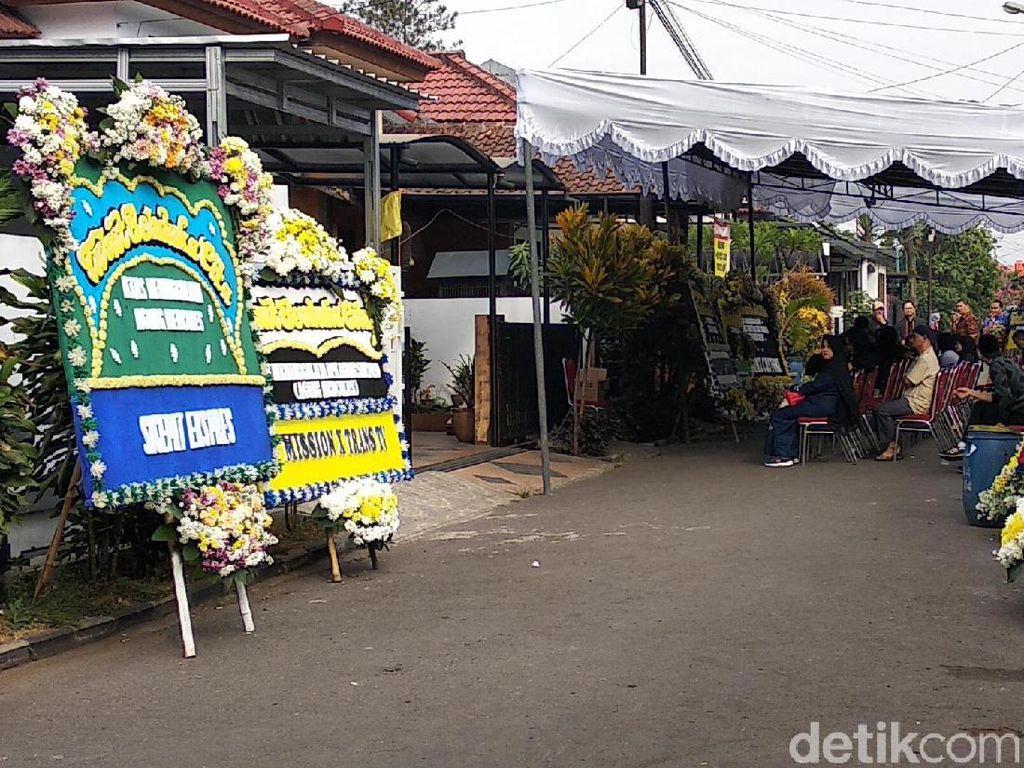 Agung Hercules Dimakamkan Hari Ini di Cikutra Bandung
