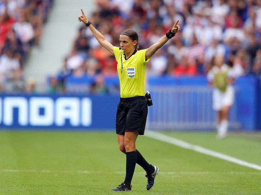 Piala Super Eropa: Liverpool Vs Chelsea Dipimpin Wasit Wanita