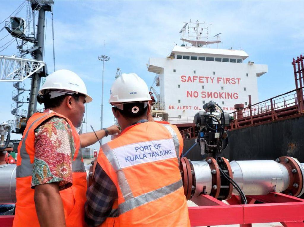 Pelabuhan Kuala Tanjung Ekspor Perdana CPO ke India