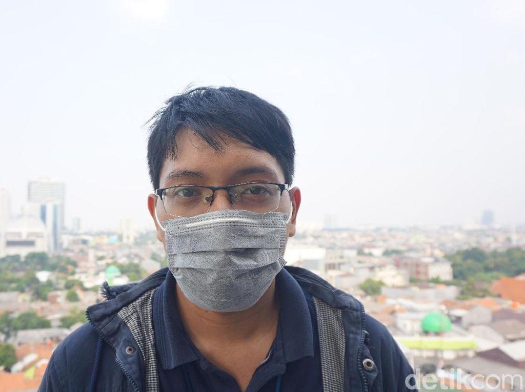 Jutawan Ini Bagi-bagi Masker Gratis Lewat Vending Machines