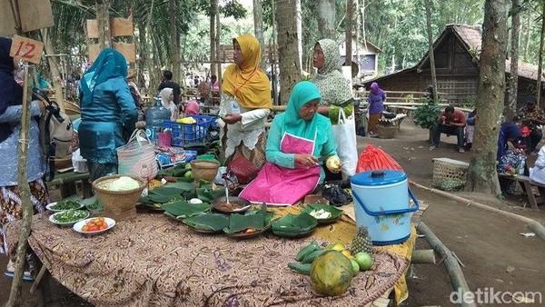 Suasana Pasar Lembah Merapi yang buka tiap hari Minggu. (foto: Eko Susanto/detiktravel)