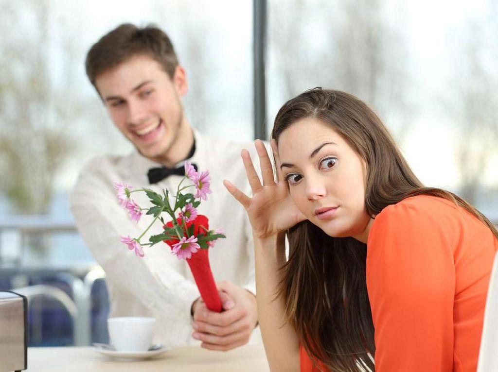 4 Kebohongan yang Boleh Diucapkan Saat Kencan Pertama