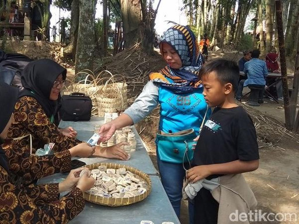 Foto: Pasar Tradisional Magelang yang Menolak Rupiah