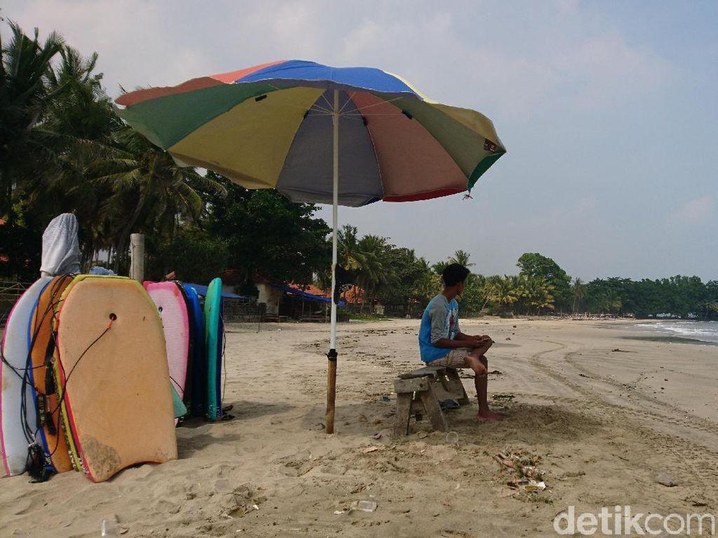 Pascagempa Banten, Pantai Anyer Sepi Pengunjung