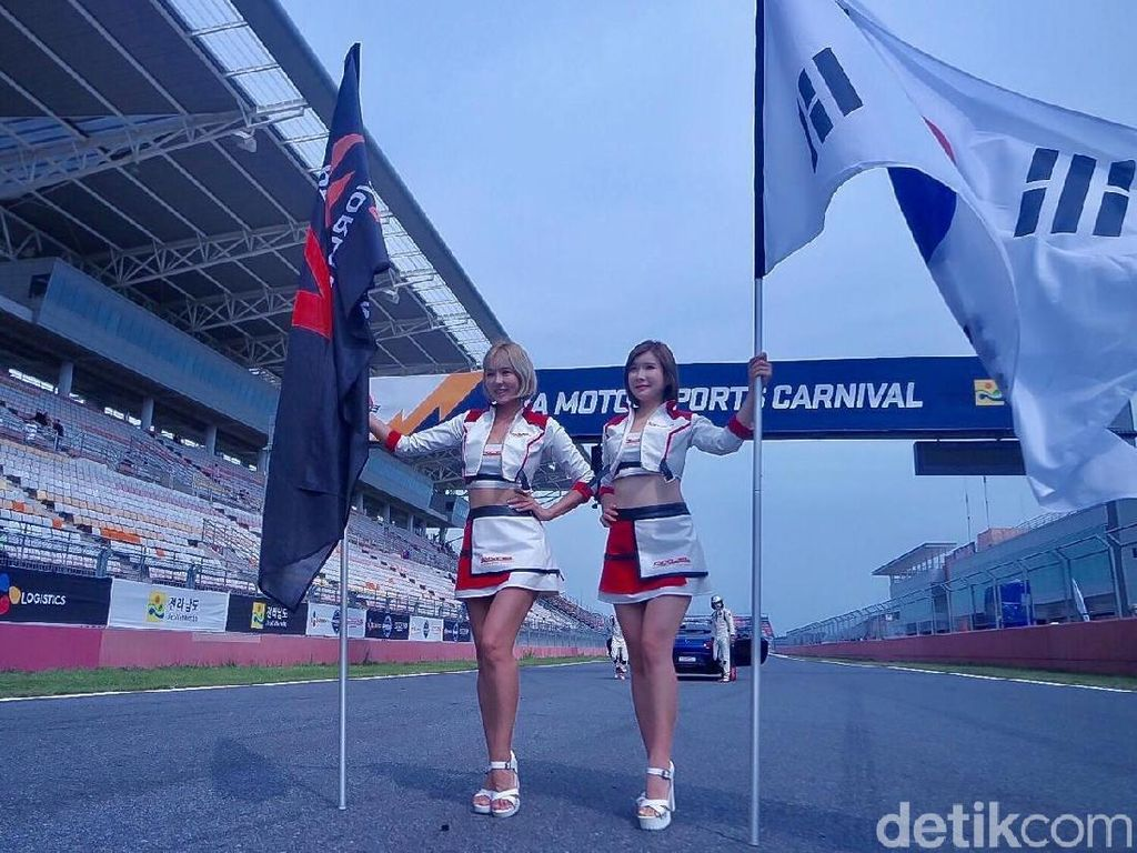 Para Pemanis di Korea International Circuit
