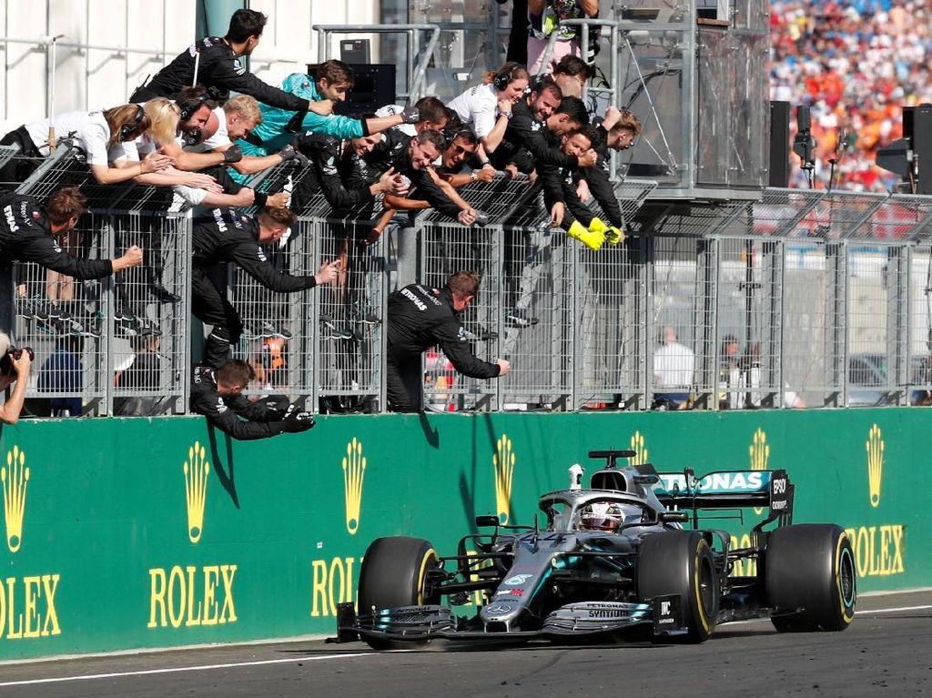Hasil F1 GP Hongaria: Seru, Hamilton Kalahkan Verstappen di Hungaroring