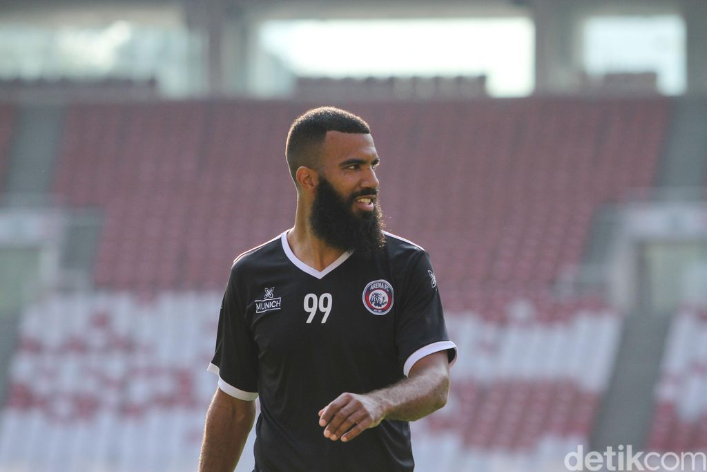 Sylvano Comvalius, Arema FC