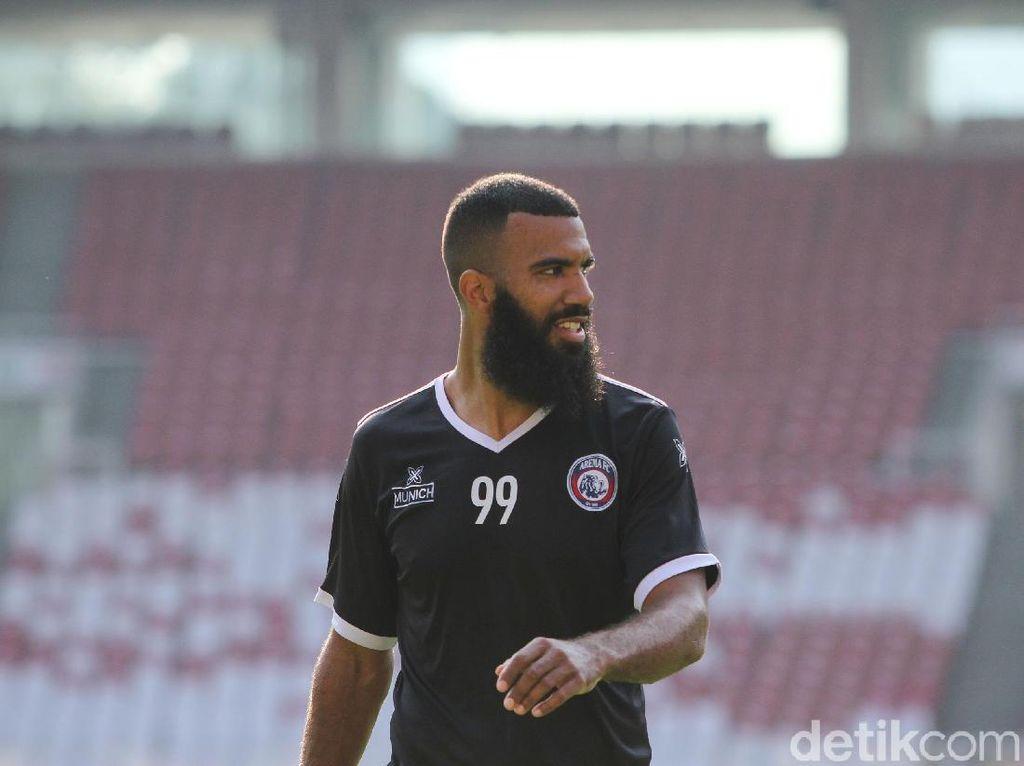 Siap-siap Sambut Liga 1 2020, Persita Tangerang Bidik Sylvano Comvalius?