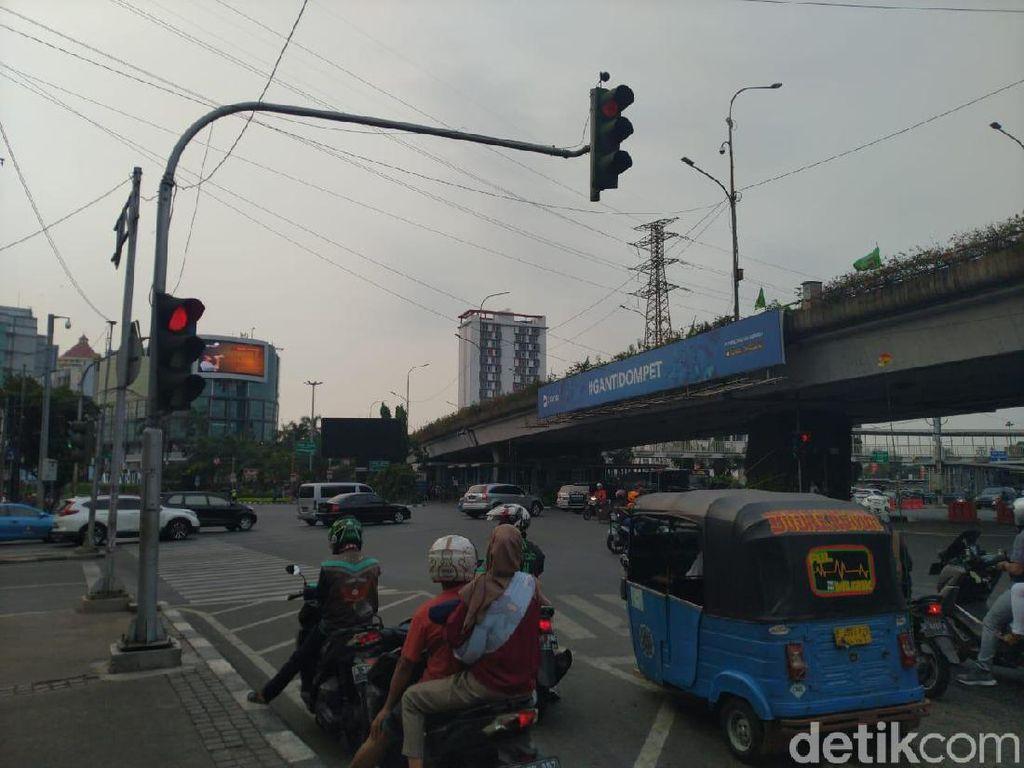 Imbas Listrik Padam, 29 Lampu Merah di Jakarta Masih Mati