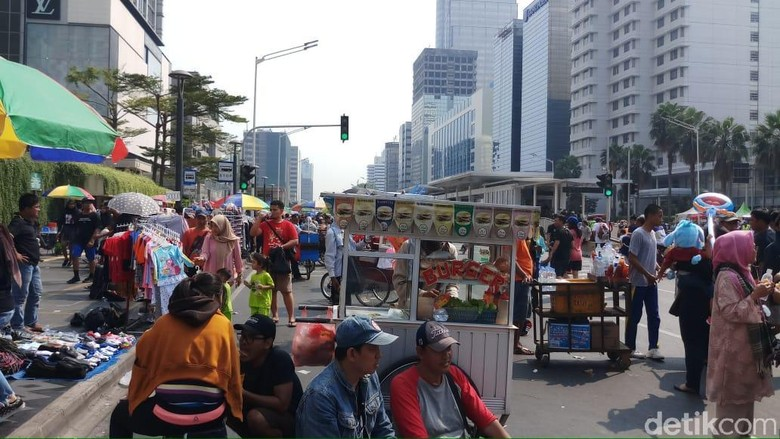 Penampakan PKL di CFD Sudirman-Thamrin yang Dikeluhkan Warga
