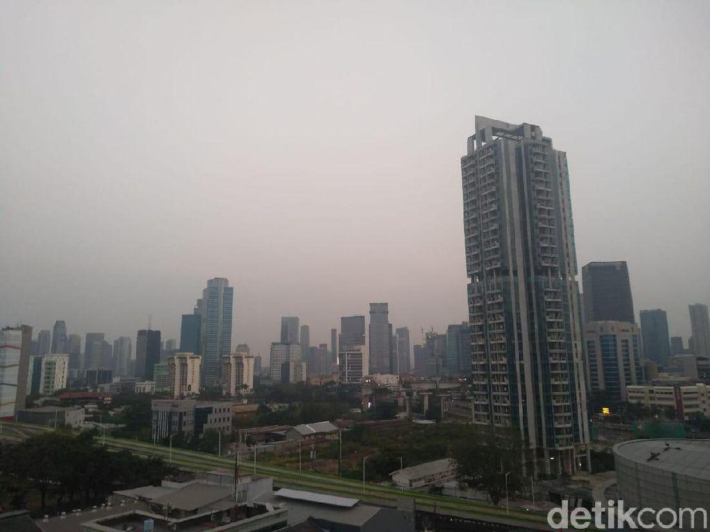 Data AirVisual Pagi Ini: Jakarta Kota Paling Berpolusi Kedua di Dunia