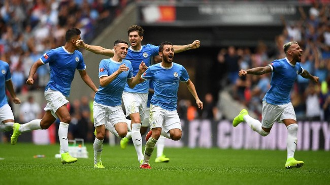 Pemain Manchester City belum ada yang dapat penghargaan individu bergengsi (Clive Mason/Getty Images)