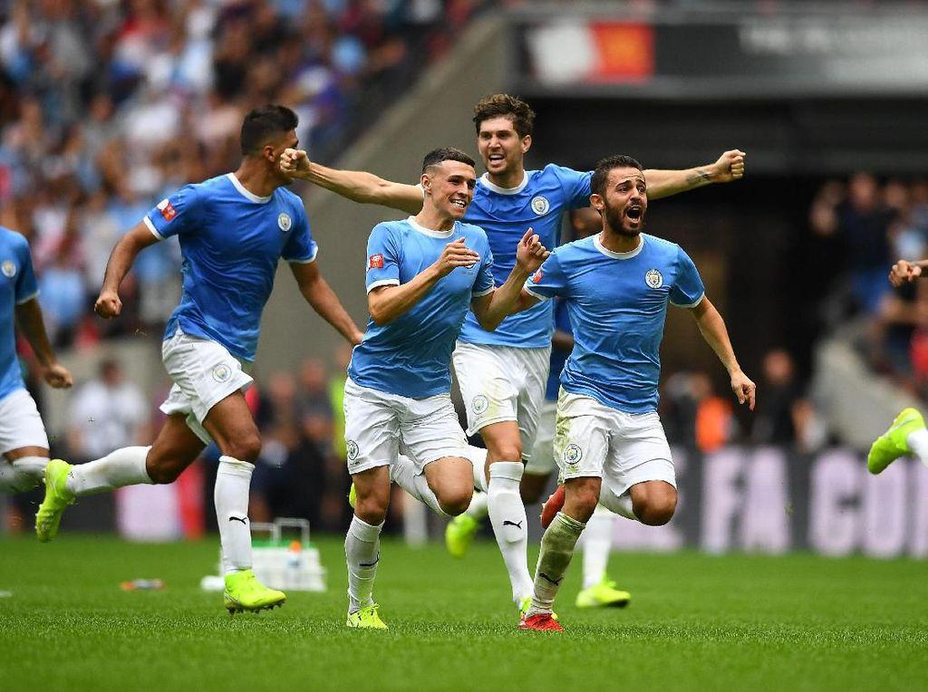 Manchester City Ikuti Jejak Arsenal 17 Tahun Lalu