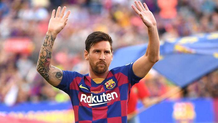 Striker Barcelona Lionel Messi masih belum jelas kapan kembali bermain usai mengalami cedera sejak 5 Agustus 2019. (Foto: David Ramos/Getty Images)
