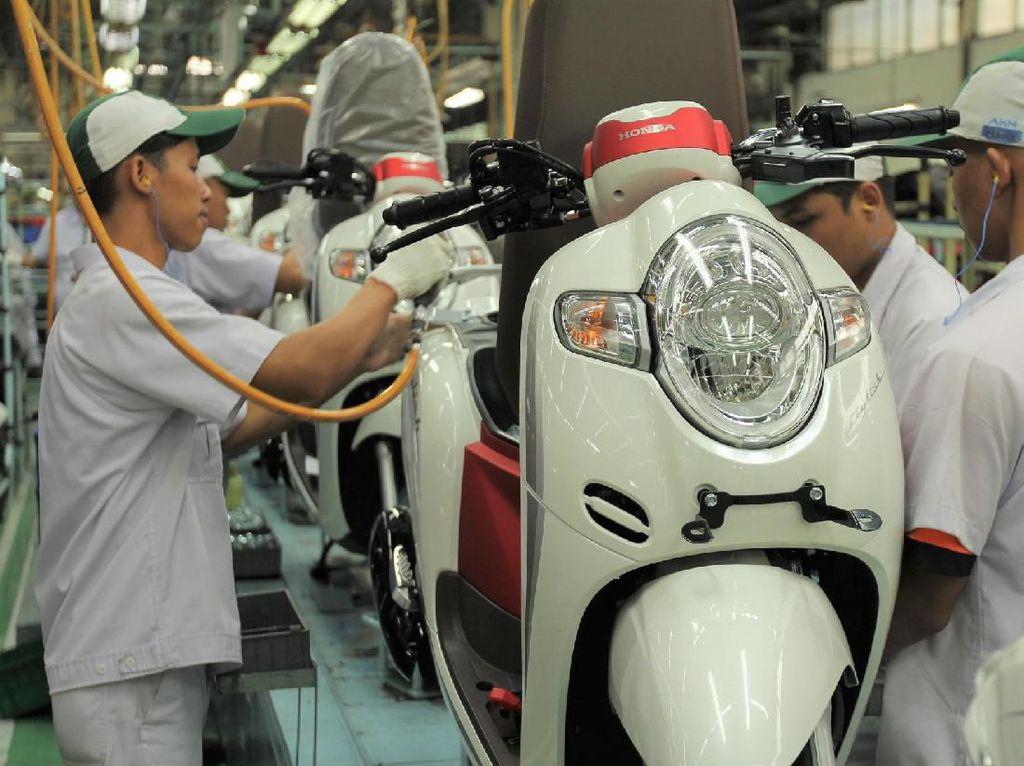 Honda Punya Scoopy Baru Berkelir Merah Putih, Harganya Naik